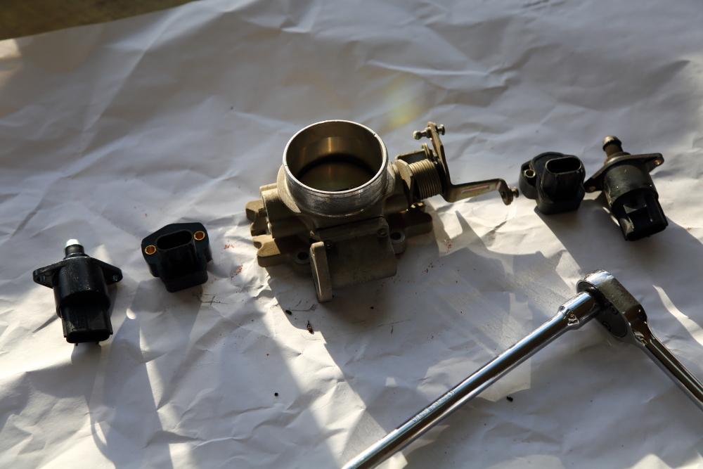 それぞれの車両 カスタム作業経過報告_f0105425_19104455.jpg