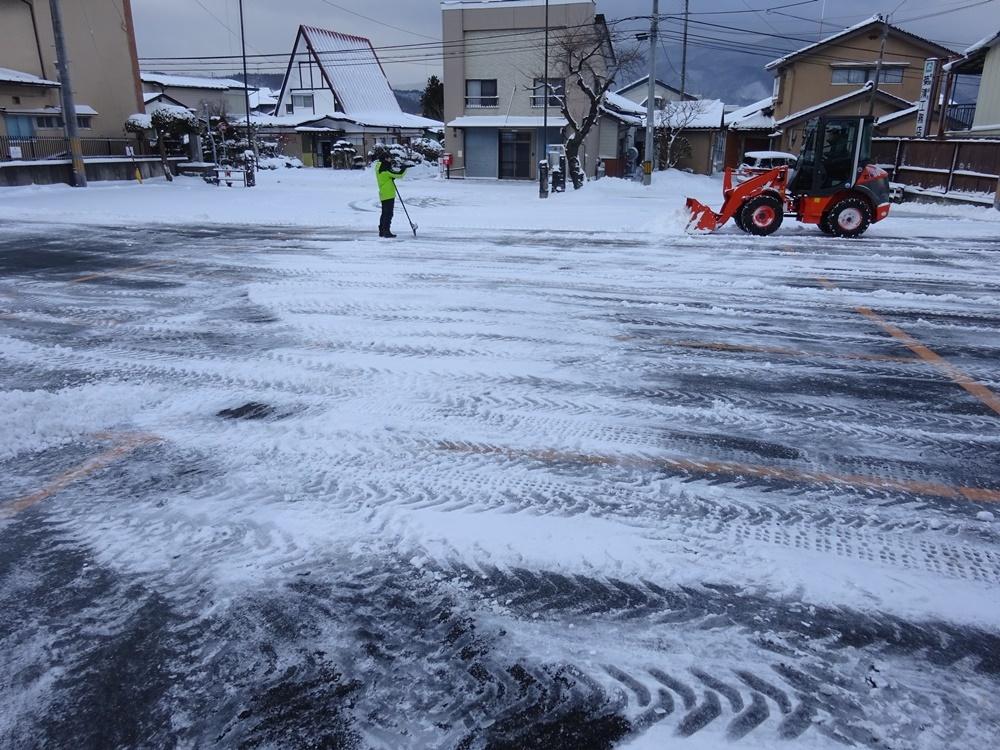 あ~今日も除雪から_c0111229_18542936.jpg