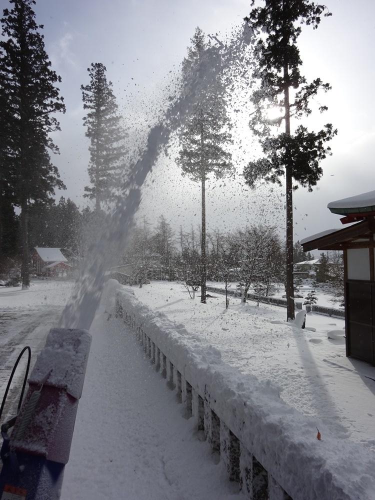 あ~今日も除雪から_c0111229_18544487.jpg
