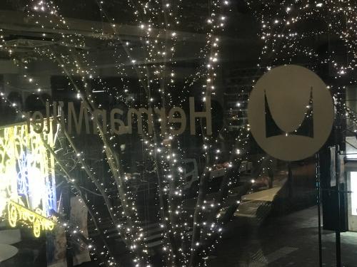 ハーマンミラーのショールームです。_f0196753_06591212.jpg