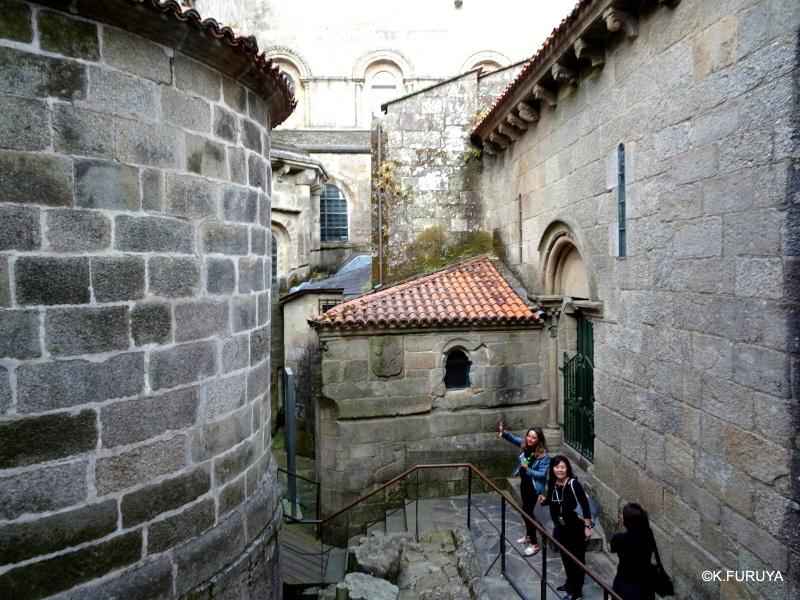 荘厳なサンティアゴ・デ・コンポステーラ大聖堂_a0092659_15441543.jpg