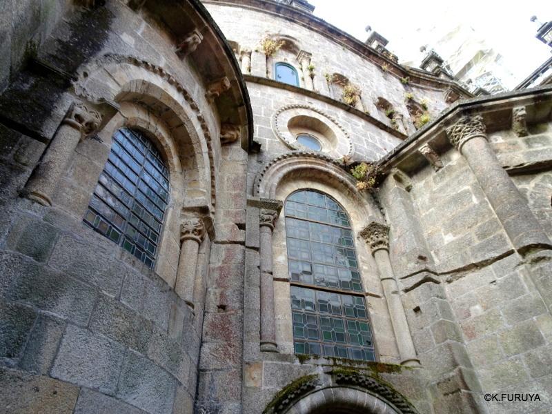 荘厳なサンティアゴ・デ・コンポステーラ大聖堂_a0092659_18552650.jpg