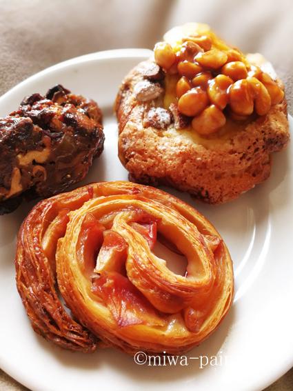 お三時のパンまでも美味しカっタネ〜_e0197587_21113628.jpg