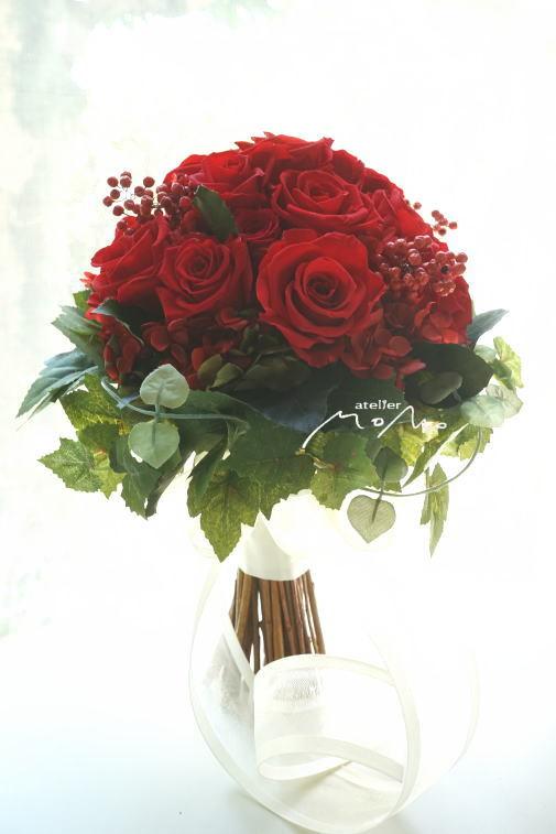 #美女と野獣のイメージで 赤バラのクラッチブーケ!_a0136507_21365333.jpg