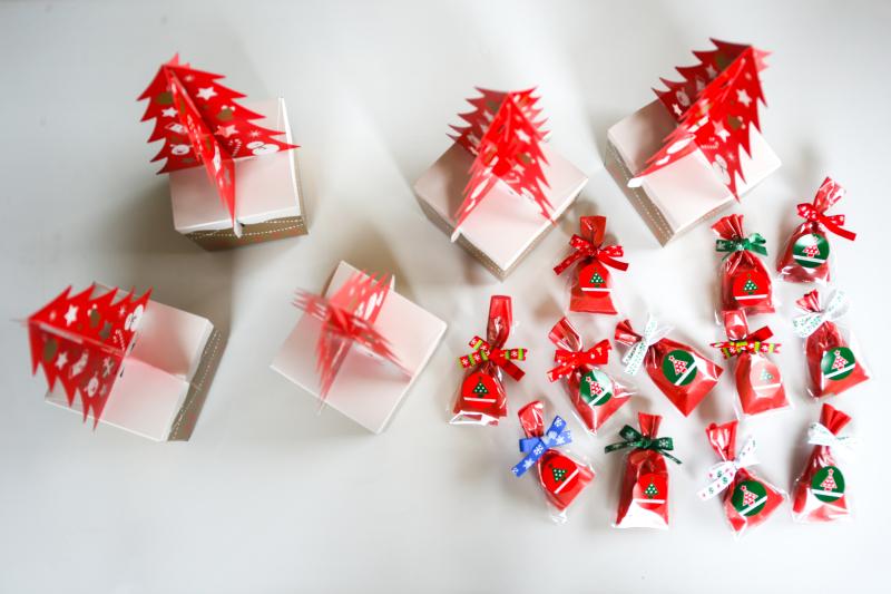幸せを呼ぶ 「 ポルボロン 」cottaクリスマス特集 レシピ・ラッピング_d0034447_12234552.jpg