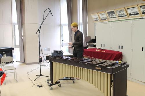 10/25 カーティス 守谷高校で楽器を演奏 Curtis played the instruments at Moriya High School_a0216706_14221963.jpg