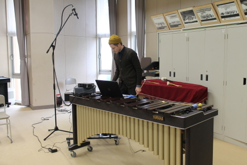 10/25 カーティス 守谷高校で楽器を演奏 Curtis played the instruments at Moriya High School_a0216706_14223463.jpg