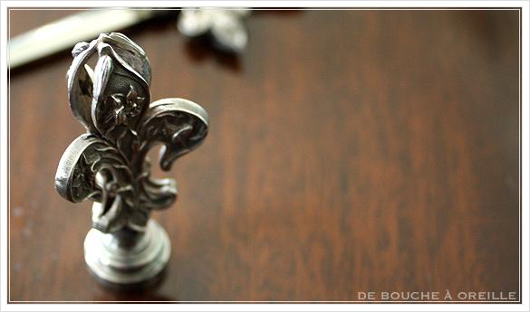 ouvre-lettre et sceau cachet 百合の紋章のレターオープナーとシーリンクスタンプ フランスアンティーク_d0184921_12424779.jpg