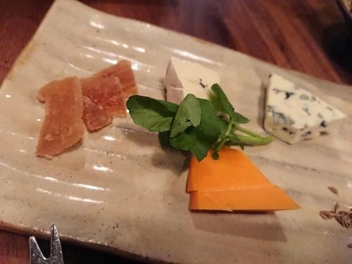 沖縄食材のフランス料理とワインの店 プチット リュ_c0100865_08180841.jpg