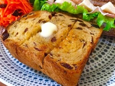 今朝の朝ごパン soilバゲットでサンドイッチと黒糖レーズン食パン♪_f0231189_10502242.jpg