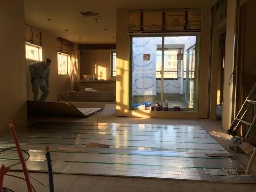 2世帯住宅の家  床暖房のある暮らし_e0028417_09230037.jpg