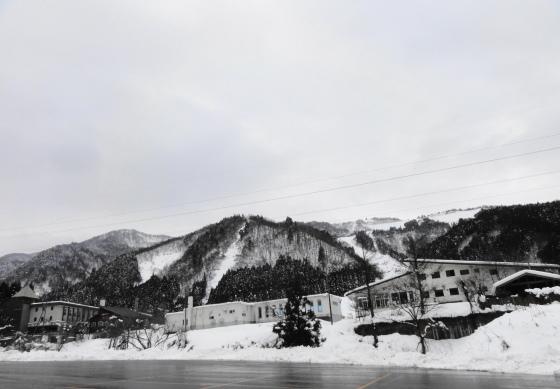 与四兵衛山 (標高:623m) 今年最後の山行はカンジキで ...