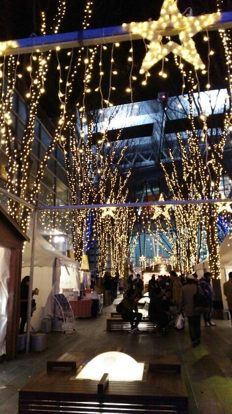 けやきひろばイルミネーション-クリスマスマーケット-_e0199780_09483881.jpg