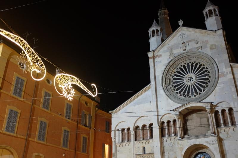 イタリアのクリスマスマーケット🎄Mercatini di Natale di MODENA 〜モデナ〜_b0246303_06185982.jpg