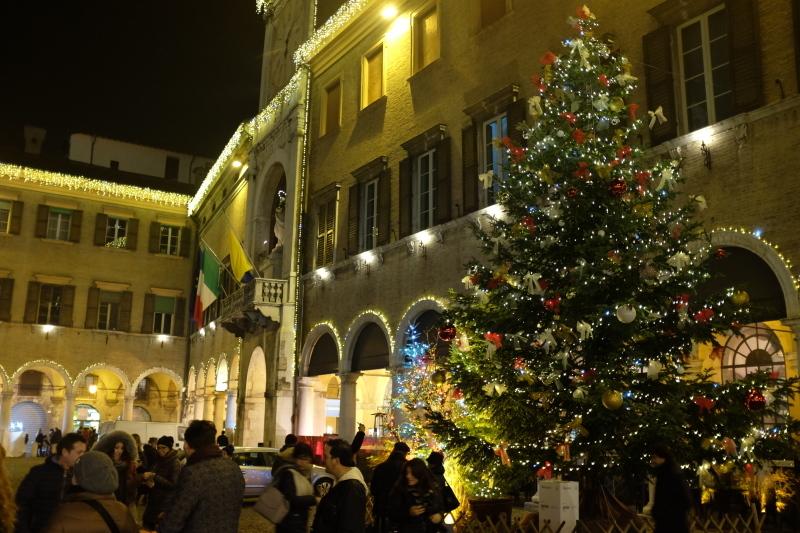 イタリアのクリスマスマーケット🎄Mercatini di Natale di MODENA 〜モデナ〜_b0246303_06224759.jpg