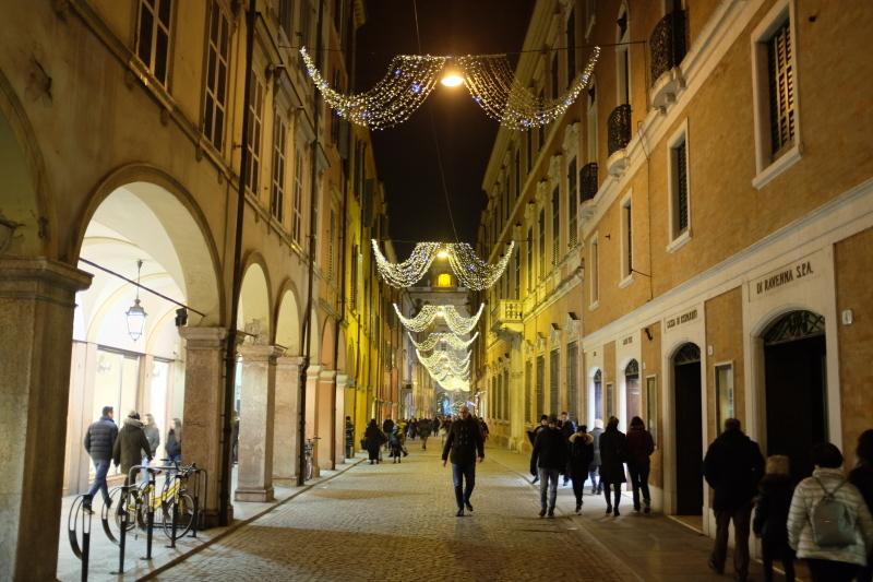 イタリアのクリスマスマーケット🎄Mercatini di Natale di MODENA 〜モデナ〜_b0246303_06262932.jpg