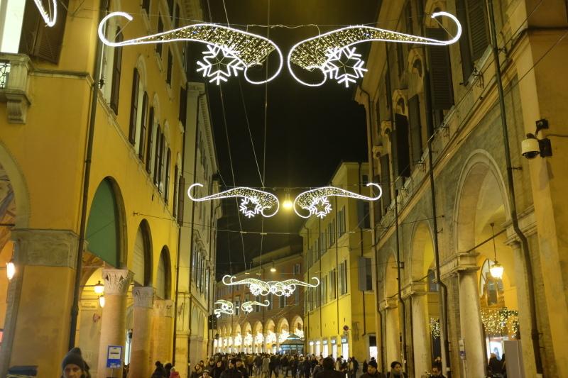 イタリアのクリスマスマーケット🎄Mercatini di Natale di MODENA 〜モデナ〜_b0246303_06273686.jpg