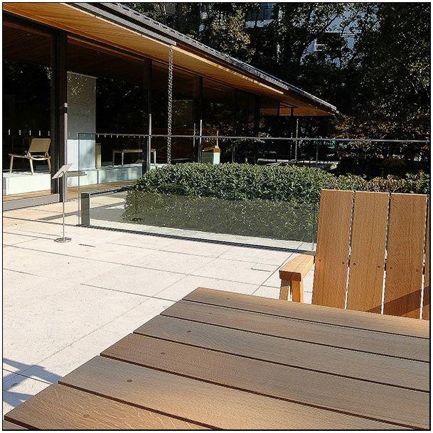 フィンランドの木工家具展_c0042324_17412758.jpg