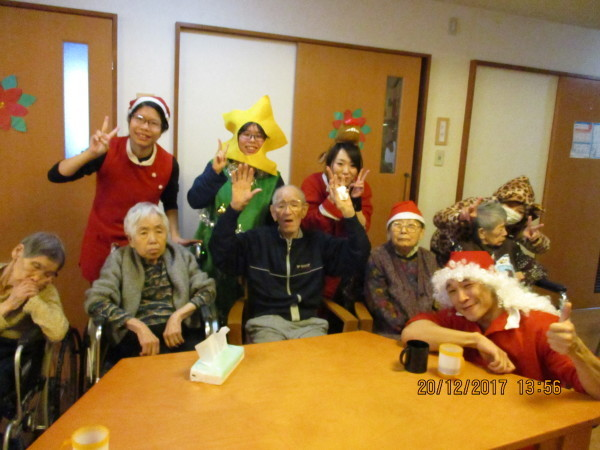 一足早いクリスマス会_a0166025_19383552.jpg