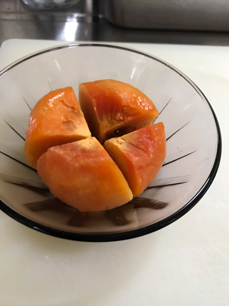冷凍した柿の皮剥き_d0068664_21010879.jpg