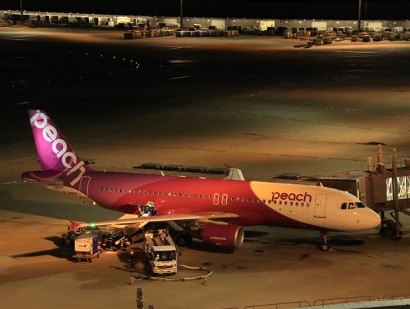 夜の羽田空港 三タミでは・・_d0202264_1822100.jpg