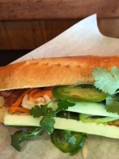 ベトナムのサンドイッチ - バインミー_e0350971_13505061.jpg