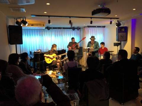 広島 Jazzlive comin 本日木曜日のジャズライブ_b0115606_11403430.jpeg