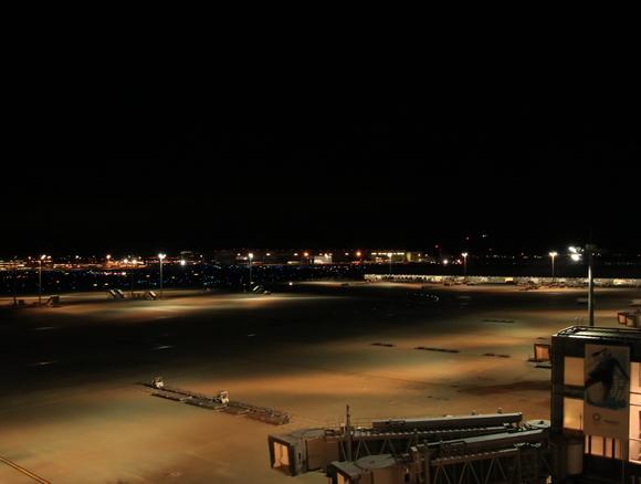 深夜の羽田空港 三タミ_d0202264_12174586.jpg