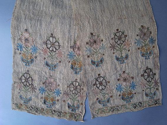 トルコの刺繍_e0111789_10592443.jpg