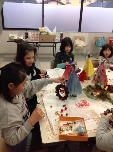 クリスマス会の始まり  クリスマスリースつくり_e0167771_15214746.jpg