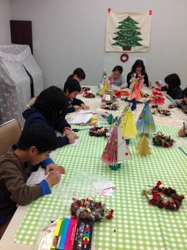 クリスマス会の始まり  クリスマスリースつくり_e0167771_15231381.jpg
