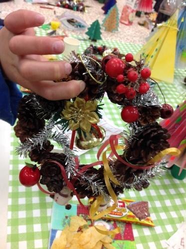 クリスマス会の始まり  クリスマスリースつくり_e0167771_15251328.jpg