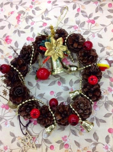 クリスマス会の始まり  クリスマスリースつくり_e0167771_15321686.jpg