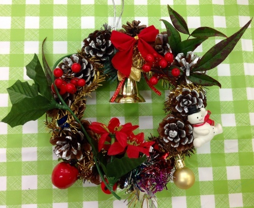 クリスマス会の始まり  クリスマスリースつくり_e0167771_15324346.jpg