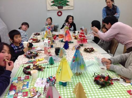 クリスマス会の始まり  クリスマスリースつくり_e0167771_15354037.jpg