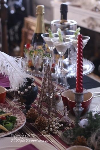 我が家でクリスマスパーティー(2)ワインレッドをきかせた大人乙女の為のテーブル_e0237680_10542426.jpg