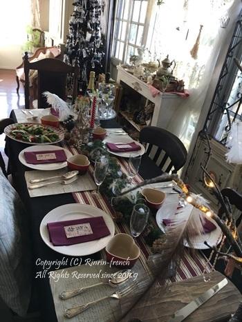我が家でクリスマスパーティー(2)ワインレッドをきかせた大人乙女の為のテーブル_e0237680_11065831.jpg