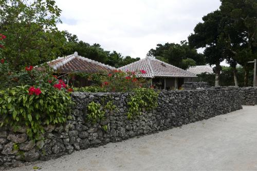 海界の村を歩く 東シナ海 鳩間島・竹富島_d0147406_17184666.jpg