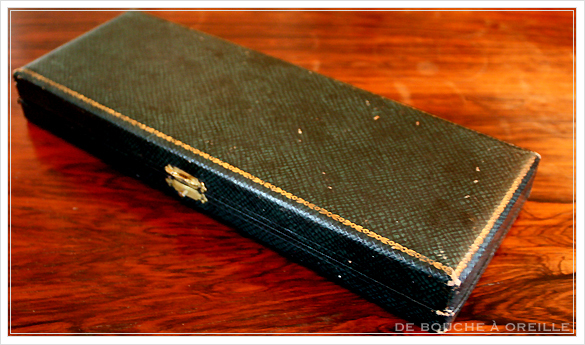 necessaire d\'ecriture ヤドリギをモチーフとした筆記用具のセット フランスアンティーク_d0184921_16261316.jpg