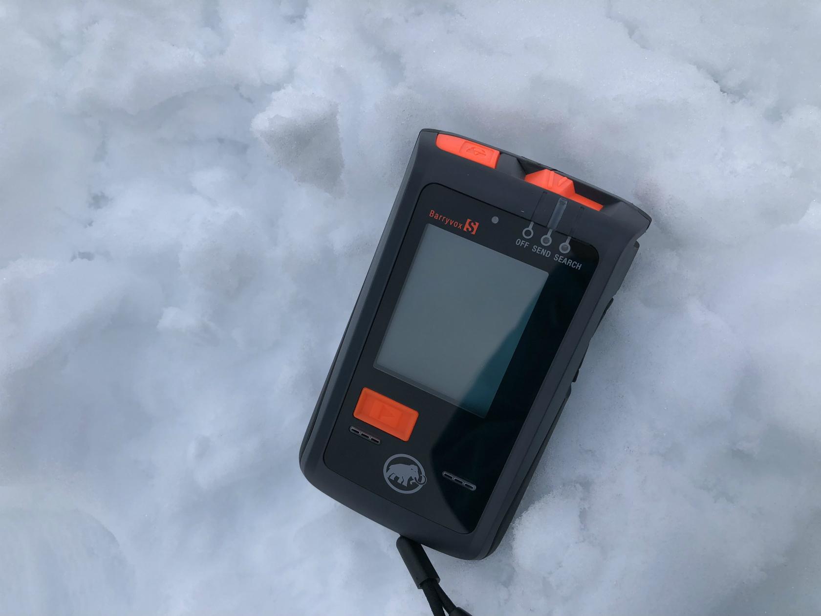 新型雪崩トランシーバ「Barryvox S」_d0110562_14460109.jpg