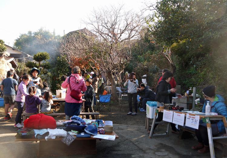 カッちゃん邸の餅つき大会で「北鎌倉の恵み」大好評!12・23_c0014967_7173285.jpg