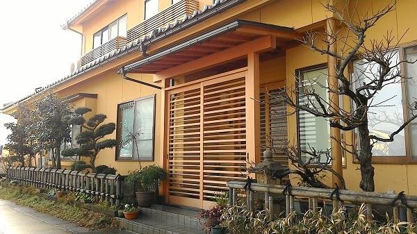 外玄関に柿渋 2017.12.25_c0213599_21310883.jpg