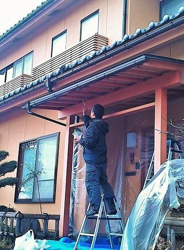 外玄関に柿渋 2017.12.25_c0213599_22463945.jpg
