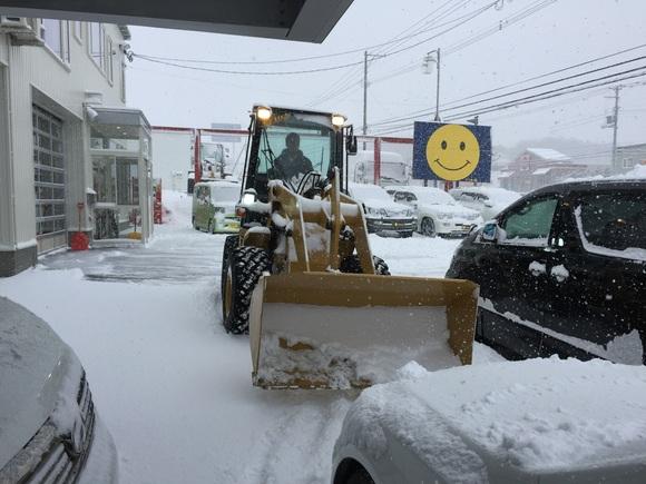 12月26日 火曜日の本店ブログ♬ 今年もトミーサンタはチキン配達完了♬ランクル、ハイエース、アルファード_b0127002_17382940.jpg