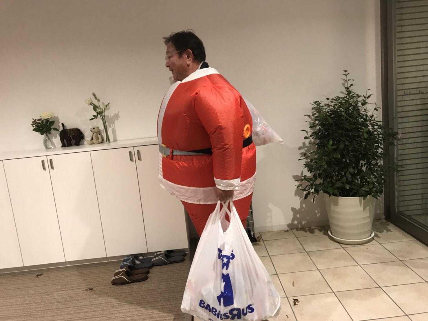 12月26日 火曜日の本店ブログ♬ 今年もトミーサンタはチキン配達完了♬ランクル、ハイエース、アルファード_b0127002_18224538.jpg