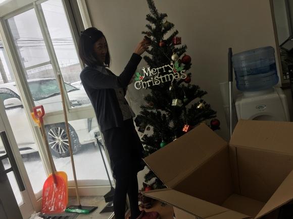 12月26日 火曜日の本店ブログ♬ 今年もトミーサンタはチキン配達完了♬ランクル、ハイエース、アルファード_b0127002_1863680.jpg