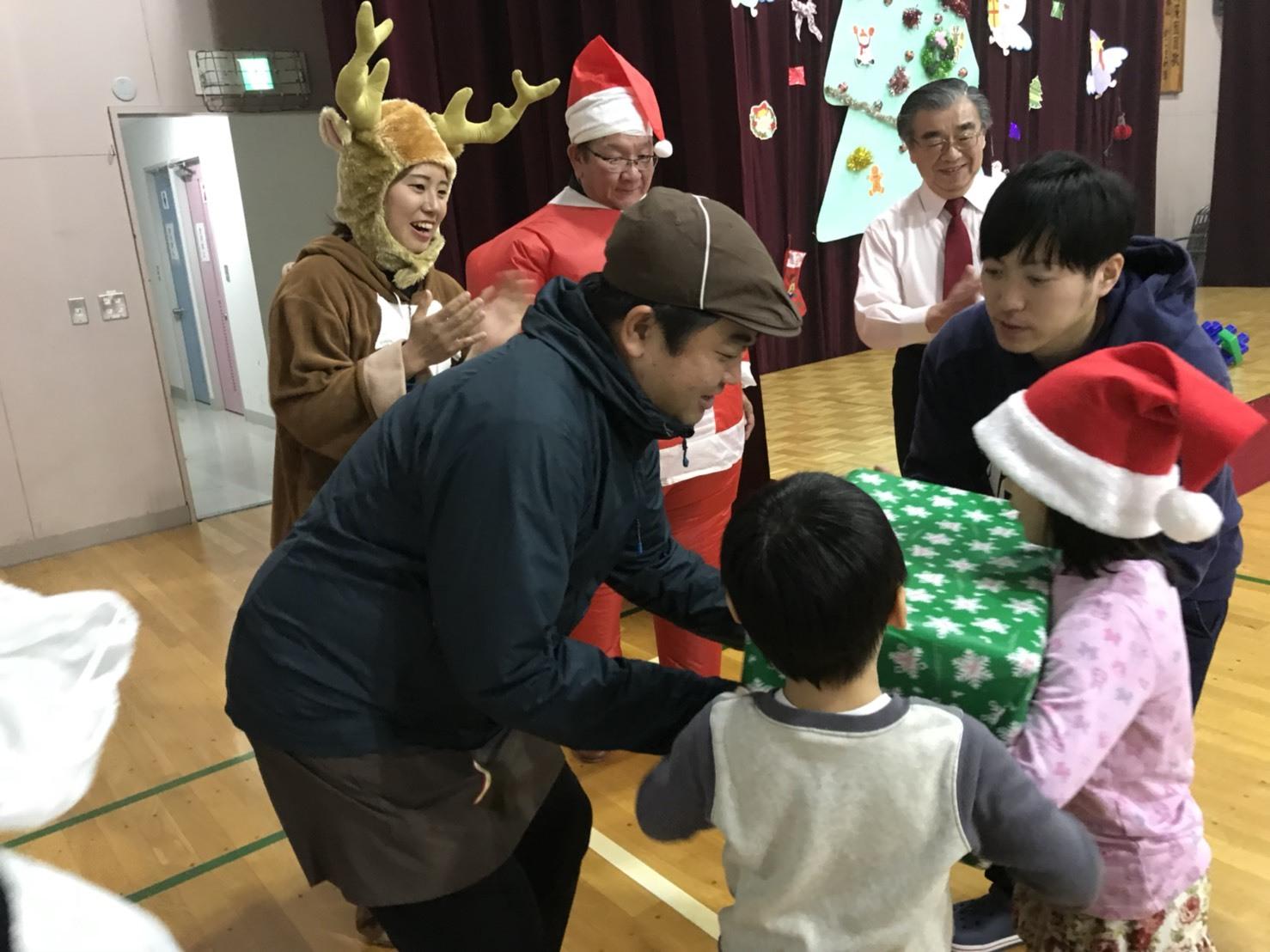 12月27日(水)トミーベース カスタムブログ☆LS600撮影開始!!サンタは大忙し!_b0127002_22595532.jpg