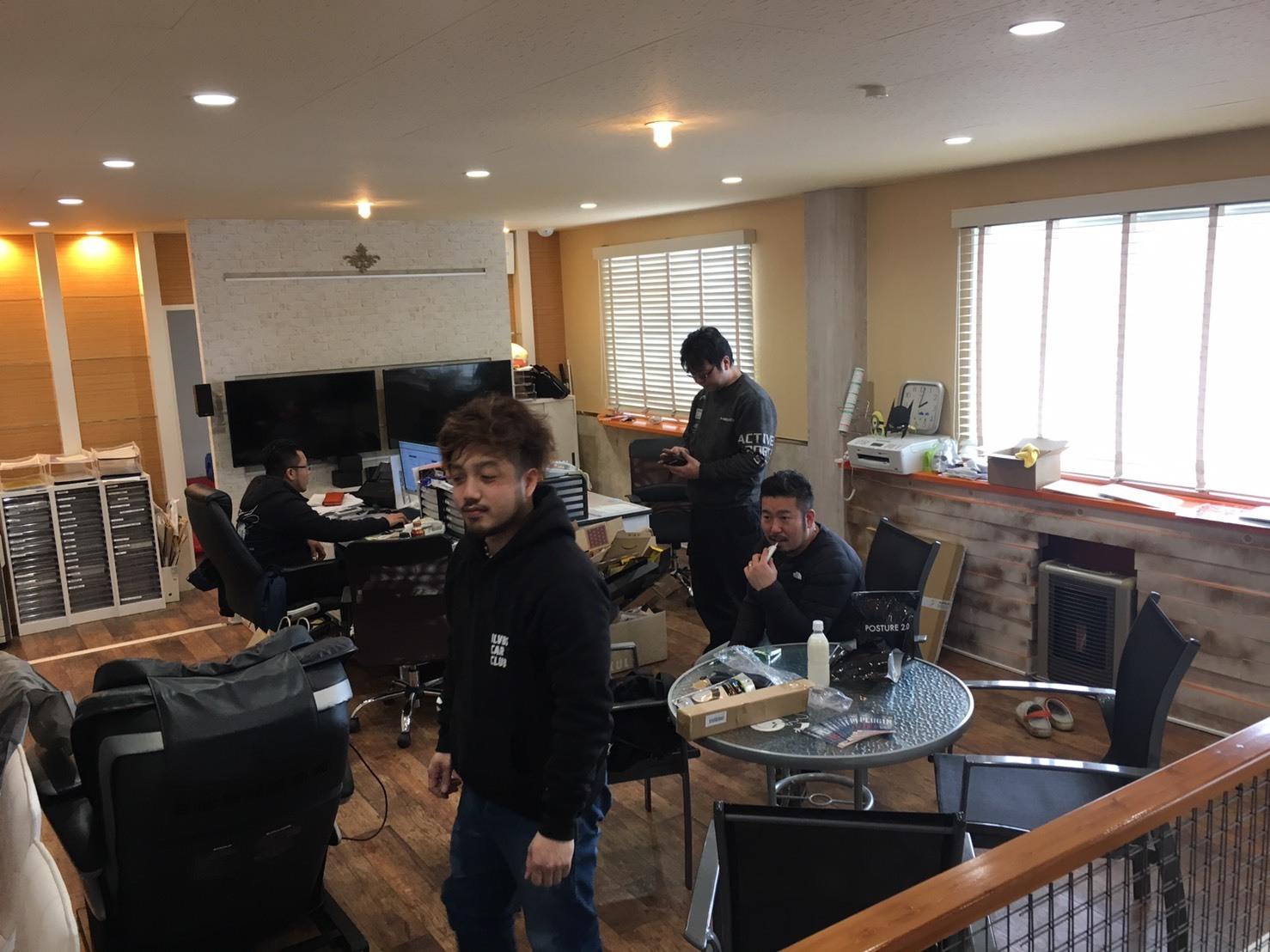12月27日(水)トミーベース カスタムブログ☆LS600撮影開始!!サンタは大忙し!_b0127002_23340850.jpg