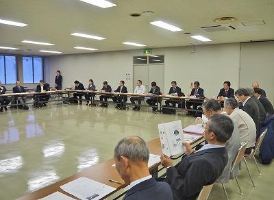市内12地区協議会の全体会議がありました_c0336902_16135049.jpg