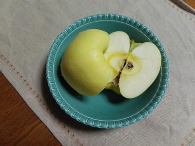 「はるか」なる、りんご_c0289116_21592711.jpg